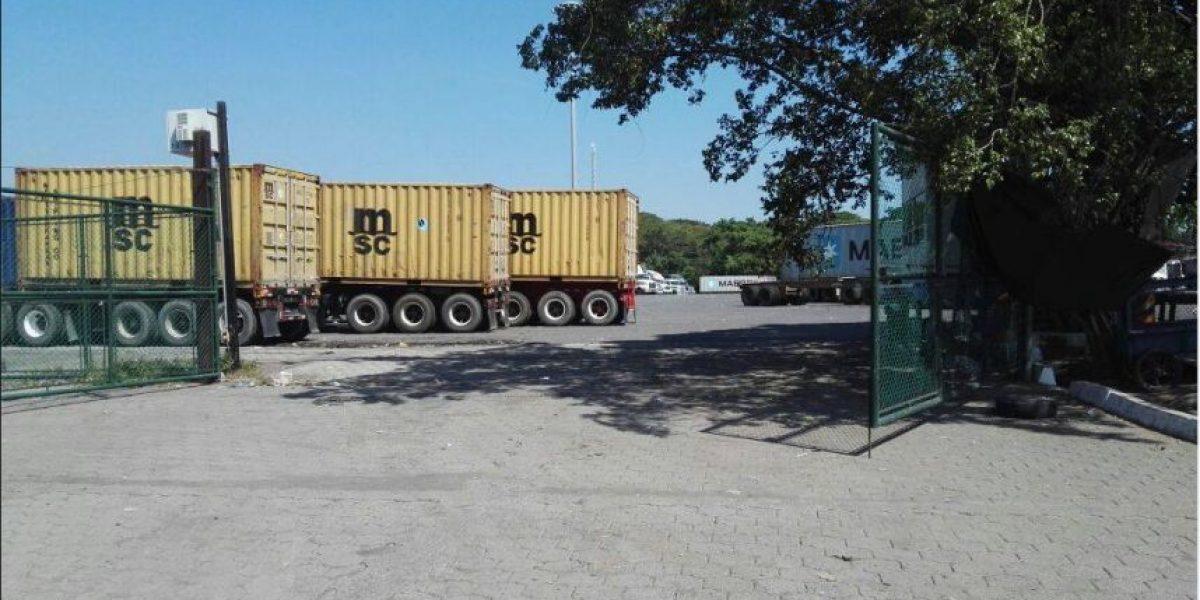Transportistas afirman que adhesión al paro llega a 65%