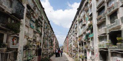 Esperan a más de un millón en los cementerios de la ciudad por el Día de todos los santos