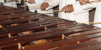 """Gran Ensamble de Marimbas """"Noche de Luna entre Ruinas"""" en la catedral de Antigua"""