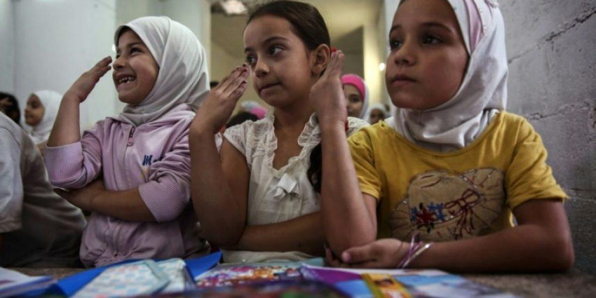 La vida continúa bajo tierra en Duma, una ciudad siria bombardeada