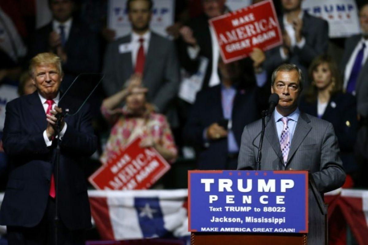 El líder del Partido de la Independencia de Reino Unido (UKIP), Nigel Farage, toma la palabra en un mitin del candidato republicano a la presidencia de EEUU, Donald Trump, el 24 de agosto de 2016 en Jackson, Misisipi Foto:Jonathan Bachman/afp.com
