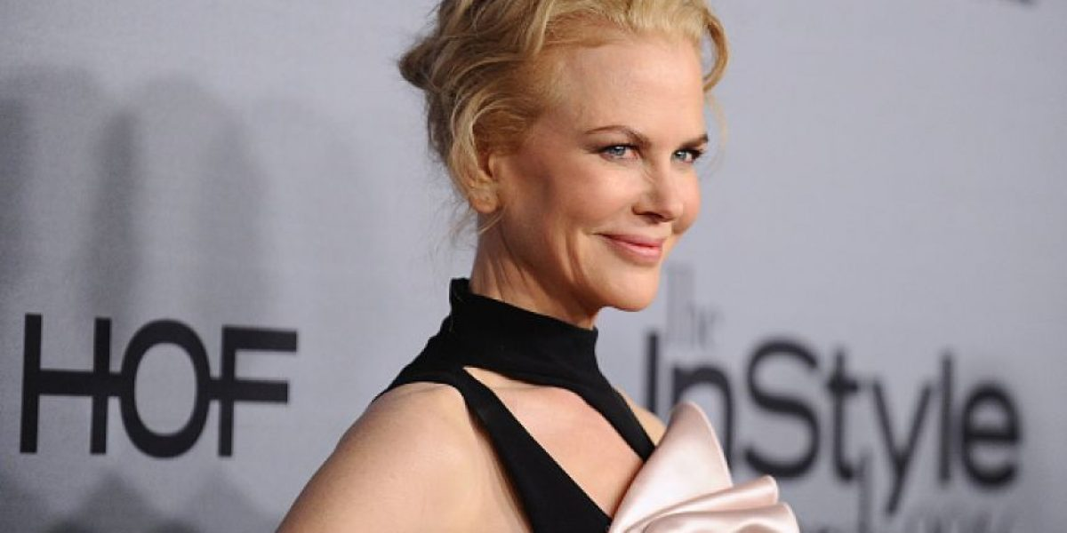 Nicole Kidman es víctima del Photoshop y luce mucho más joven en la portada de una revista