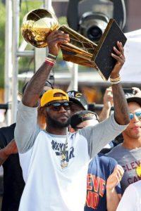 Getty Images Foto:LeBron James imitó a su ídolo y terminó con una espera de títulos de Cavaliers que databa desde 1970