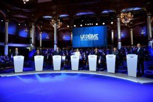 Los siete candidatos del partido de derechas Los Republicanos (LR) en el segundo debate televisado de las primarias para las elecciones presidenciales de 2017, en París, el 3 de noviembre de 2016 Foto:Eric Feferberg/afp.com