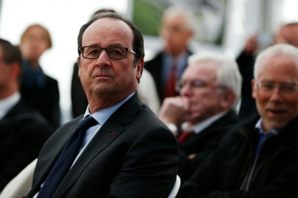 El presidente francés, Francois Hollande, visita la Cooperativa agrícola en Méautis, en el noroeste de Francia, el 3 de noviembre de 2016 Foto:Charly Triballeau/afp.com