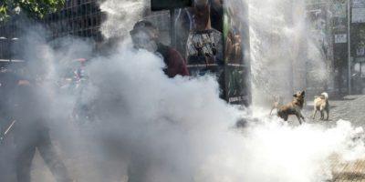 Trabajadores protestan en las calles de Santiago de Chile contra el sistema de pensiones, el 4 de noviembre de 2016 Foto:Martin Bernetti/afp.com