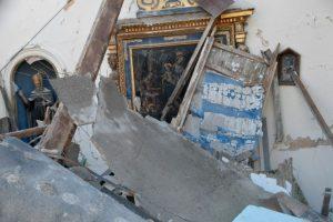Vista de la iglesia de San Antonio Borgo, destruida por el terremoto, cerca de Visso, en el centro de Italia, el 27 de octubre de 2016 Foto:TIZIANA FABI/afp.com