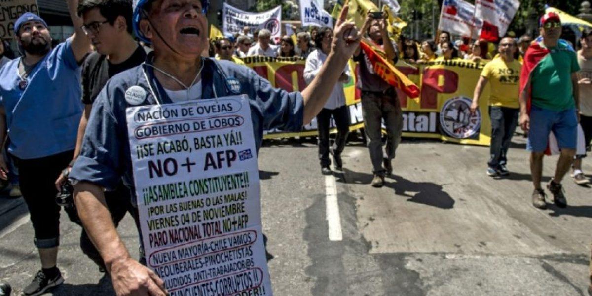 Protestas en Chile contra sistema de pensiones heredado de Pinochet