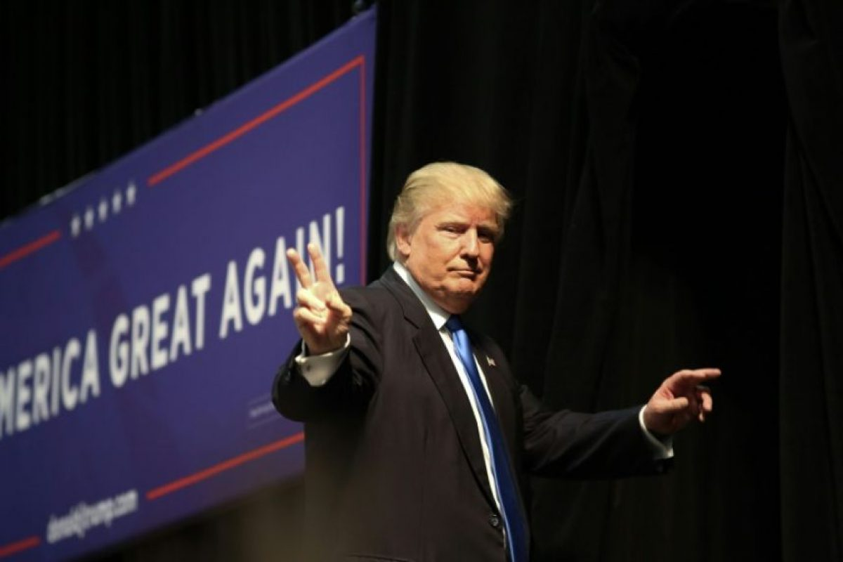 El candidato republicano a la presidencia de EEUU, Donald Trump, hace campaña en Concord, en Carolina del Norte, el 3 de noviembre de 2016 Foto:Logan Cyrus/afp.com