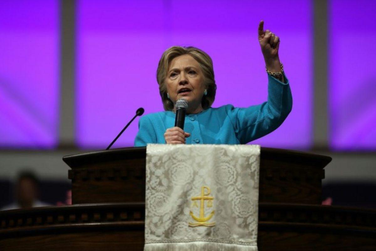 La candidata demócrata Hillary Clinton durante un servicio religioso en la iglesia Mt. Airy el 6 de noviembre de 2016 en Filadelfia Foto:Justin Sullivan/afp.com