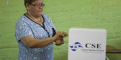 Exmandatarios Cerezo y Colom brindan acompañamiento en elecciones de Nicaragua