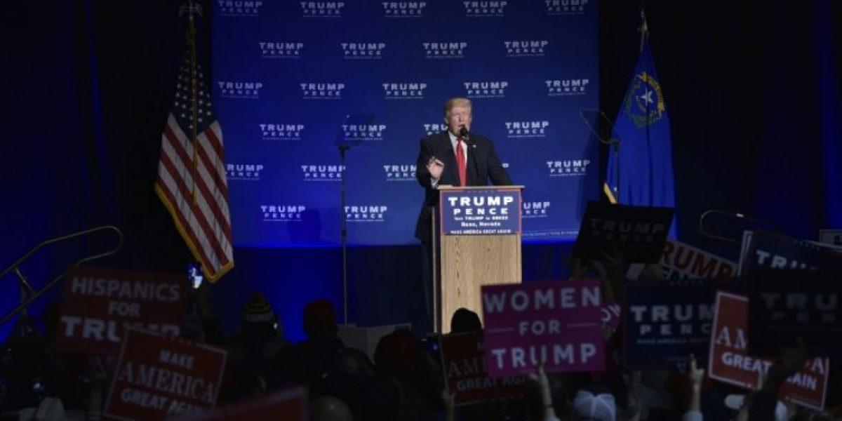 Trump es evacuado brevemente del escenario por una falsa alarma