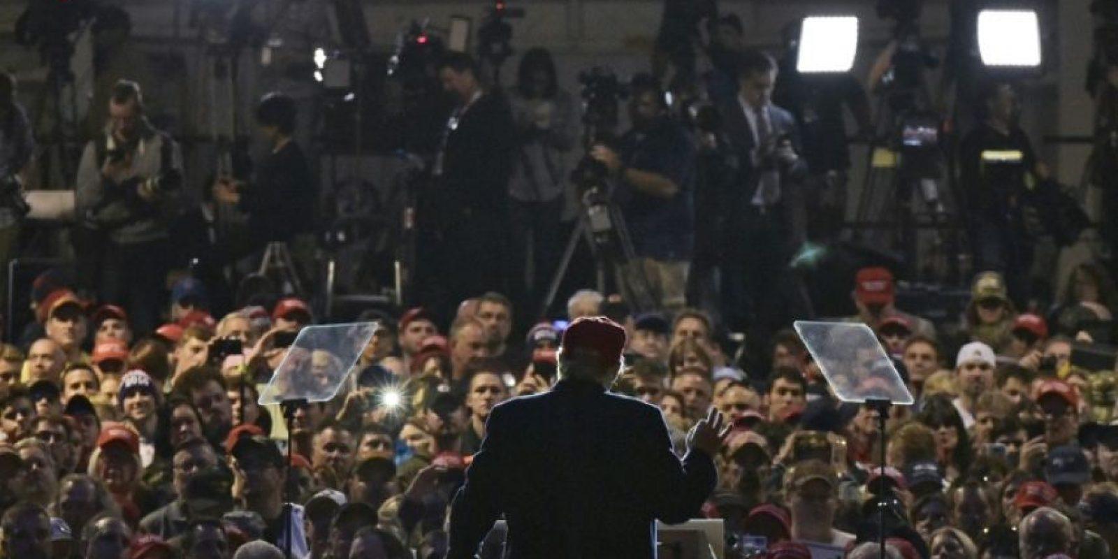 El candidato republicano a la presidencia de EEUU, Donald Trump, toma la palabra en un mitin en Moon, Pensilvania, el 6 de noviembre de 2016 Foto:Mandel Ngan/afp.com