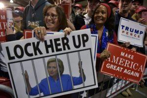 Partidarios del candidato republicano Donald Trump durante un acto de campaña el 7 de noviembre de 2016 en Leesburg Foto:Mandel Ngan/afp.com
