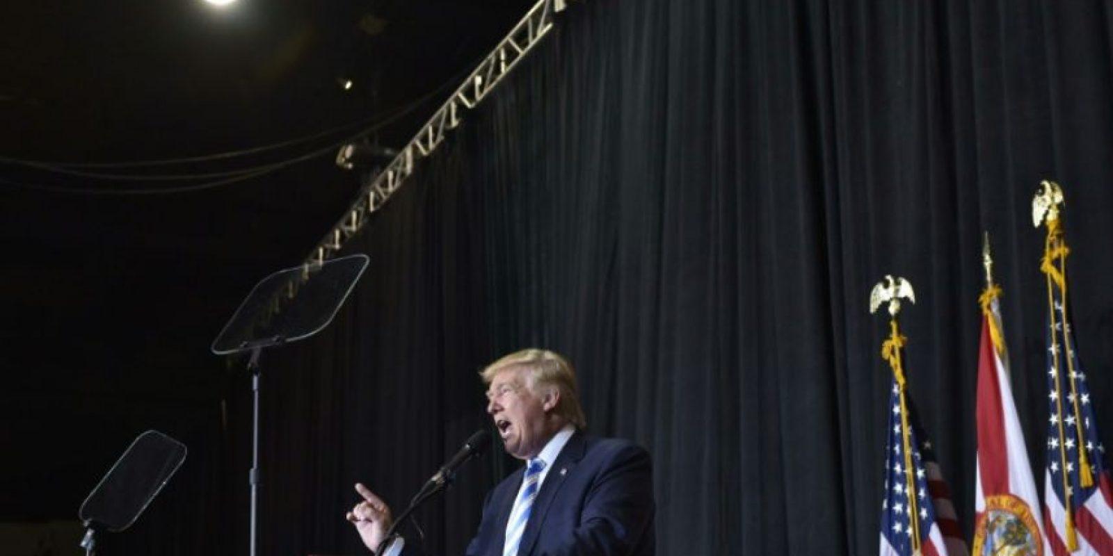 El candidato republicano a la presidencia de EEUU, Donald Trump, hace campaña en Sarasota, Florida, el 7 de noviembre de 2016 Foto:Mandel Ngan/afp.com