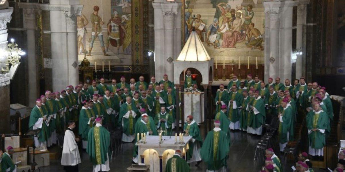 Los obispos de Francia piden perdón por el