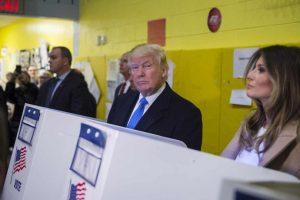 AFP Foto:Estuvo acompañado de Melania Trump, su esposa