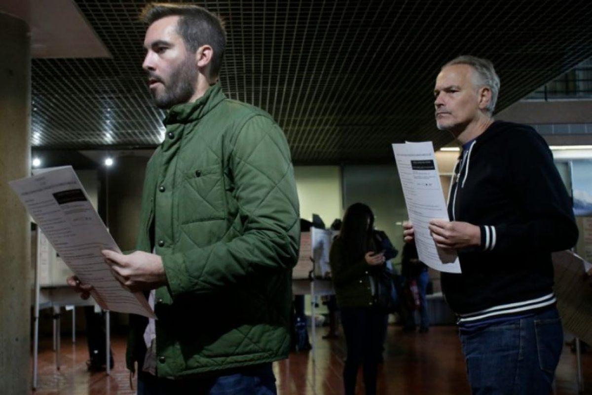 Unos votantes guardan fila para despositar sus papeletas el 8 de noviembre de 2016 en Washington Foto:Yuri Gripas/afp.com