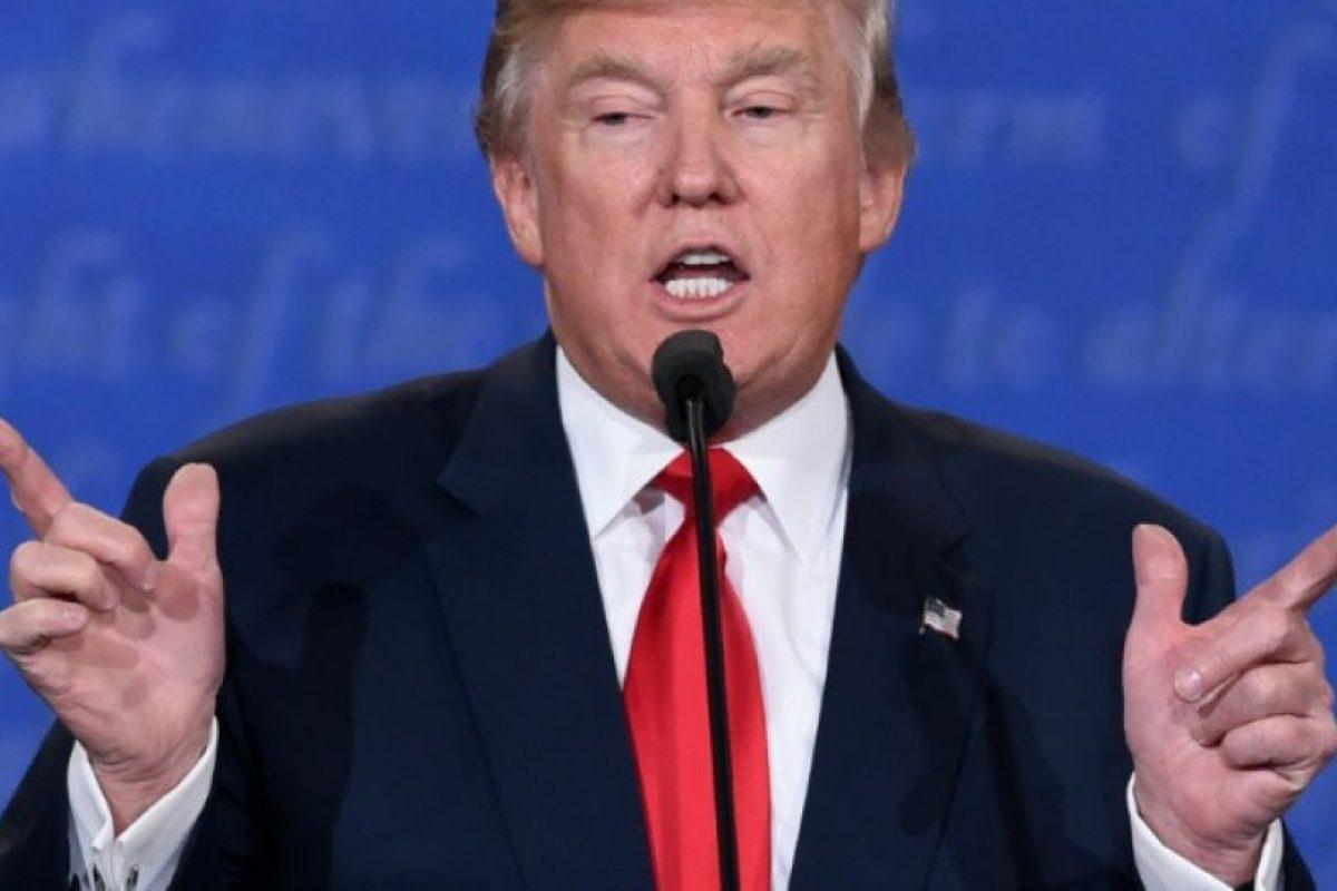 El candidato republicano a la presidencia de EEUU, Donald Trump, toma la palabra en el debate final de la campaña, el 19 de octubre de 2016 en la Universidad de Las Vegas, en Nevada Foto:Saul Loeb/afp.com