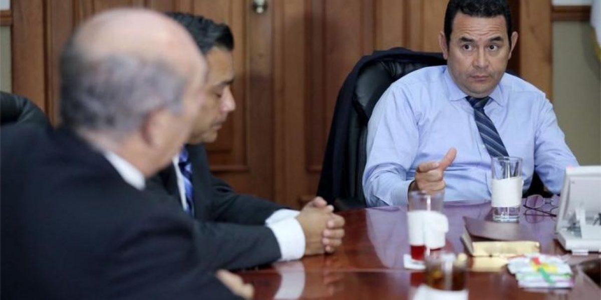 UNE presenta solicitud de antejuicio contra presidente Jimmy Morales