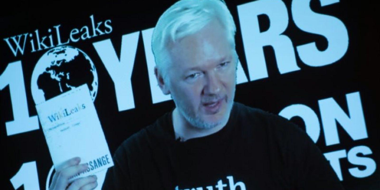 El fundador de WikiLeaks, Julian Assange, el 4 de octubre de 2016, durante una videoconferencia con periodistas en Berlín Foto:Steffi Loos/afp.com