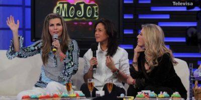 Presentadora mexicana causa furor en las redes con apasionado beso de su novia