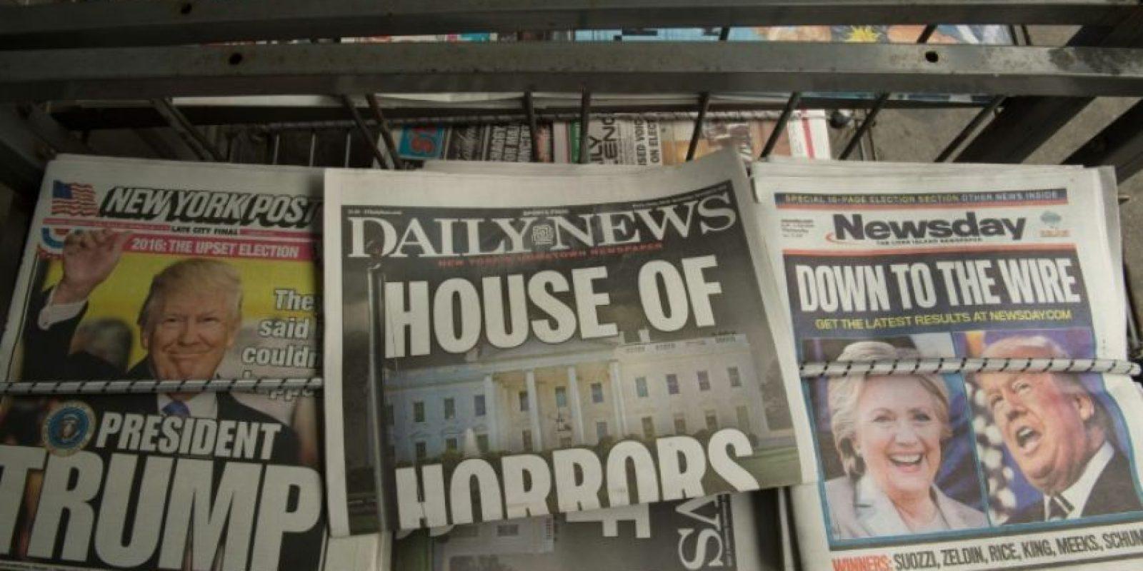 Portadas de diarios estadounidenses anunciando la vitoria de Donald Trump en las elecciones presidenciales, el 9 de noviembre de 2016 en Nueva York Foto:Bryan R. Smith/afp.com