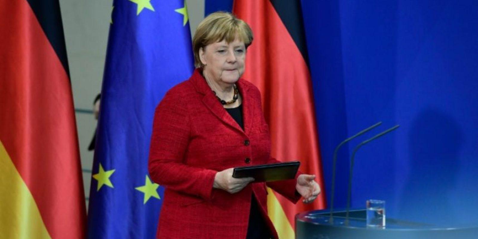 La canciller alemana, Angela Merkel, se dispone a comentar los resultados de las elecciones presidenciales en EEUU el 9 de noviembre de 2016 en Berlín Foto:Tobias Schwarz/afp.com