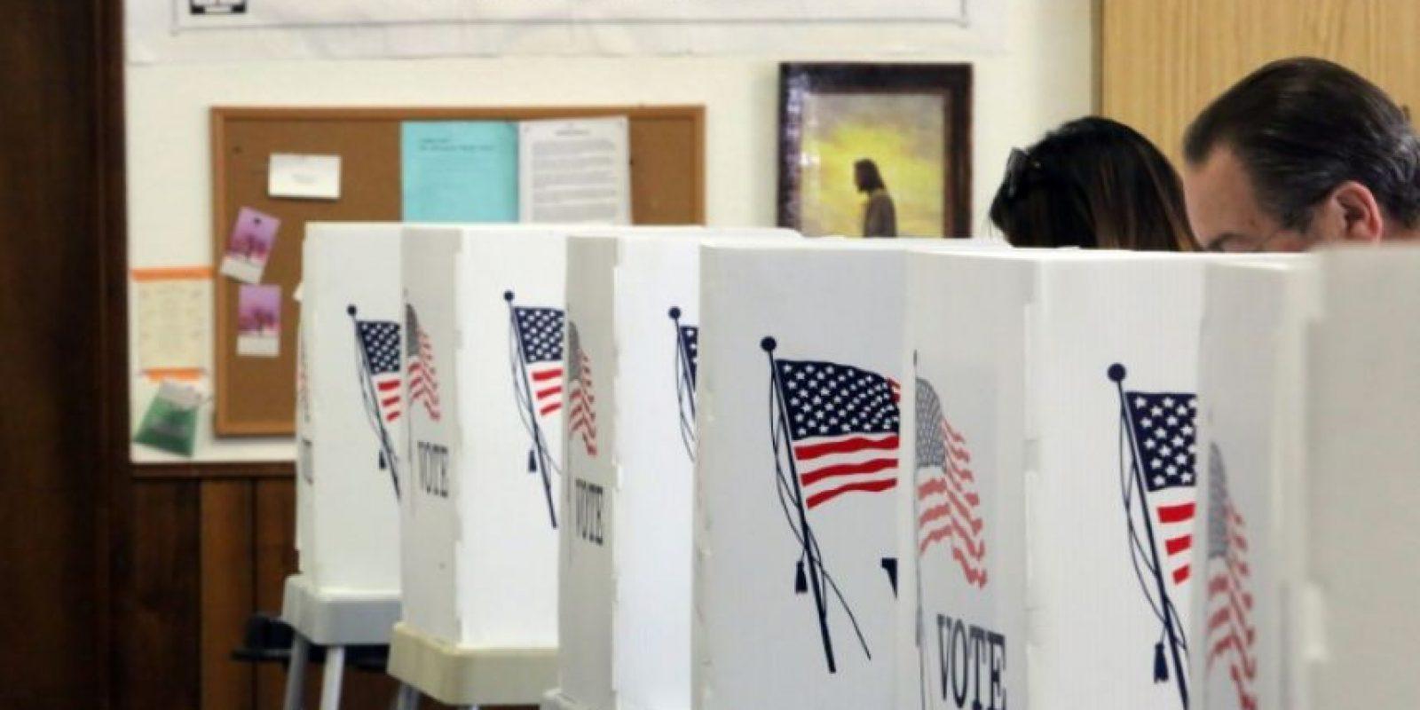 Votantes en una iglesia metodista de Big Bear, California, el 8 de noviembre de 2016 Foto:Bill Wechter/afp.com