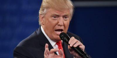 El entonces candidato republicano a la presidencia de EEUU, Donald Trump, participa en el segundo debate contra Hillary Clinton el 9 de octubre de 2016 en la Universidad Washington de St. Louis, Misuri Foto:Paul J. Richards/afp.com