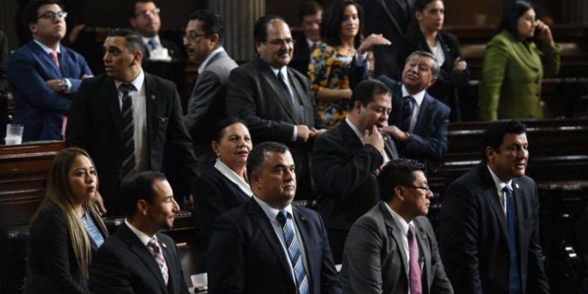 Oficialismo consigue apoyo y gana directiva del Congreso