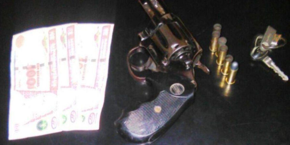 Policías no aceptan soborno y llevan ante juez a dos hombres en Izabal