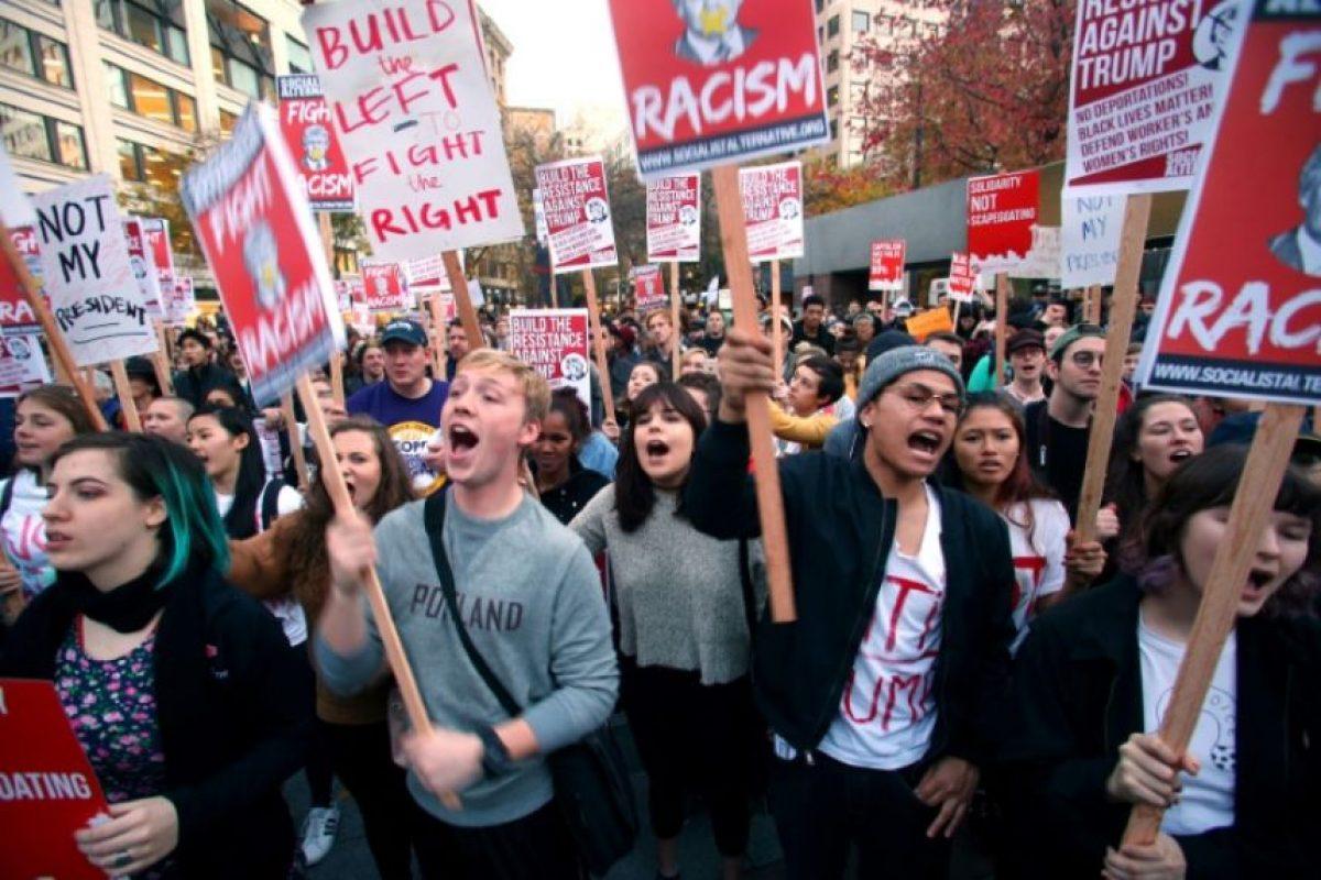 Manifestantes protestan contra la elección de Donald Trump el 9 de noviembre de 2016 en Seattle Foto:Karen Ducey/afp.com