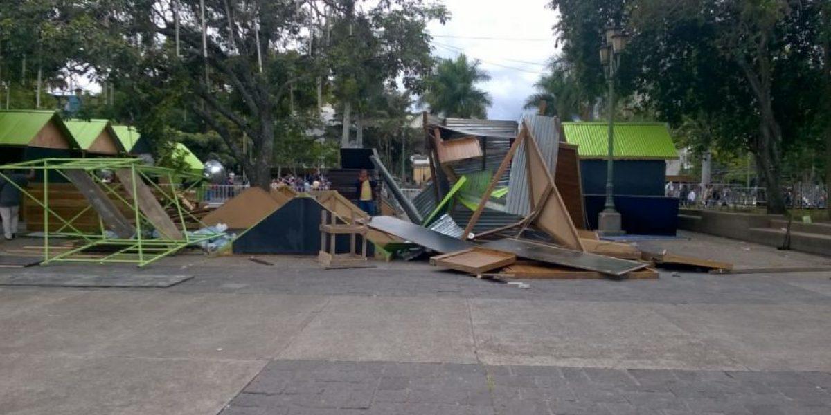 Vendedores dañan montaje de Festival Navideño y arte urbano en el Paseo de la Sexta
