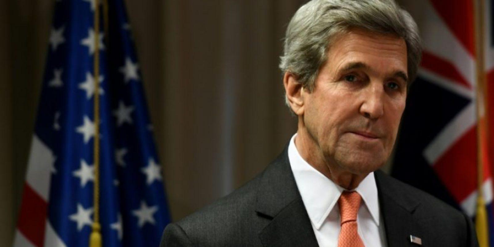 El secretario de Estado estadounidense, John Kerry, felicita al presidente electo Donald Trump, en Christchurch el 10 de noviembre de 2016 durante su visita a Nueva Zelanda Foto:Mark Ralston/afp.com