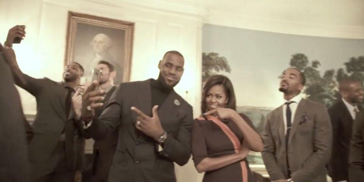Michelle Obama se une a la moda del Mannequin Challenge