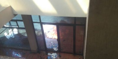 Pilotos de mototaxis inconformes causan destrozos en Malacatán