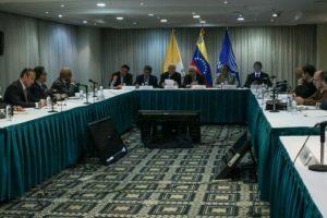 El gobierno de Venezuela y la oposición se reúnen el 11 de noviembre de 2016 en Caracas en busca de una solución a la crisis política Foto:Federico Parra/afp.com