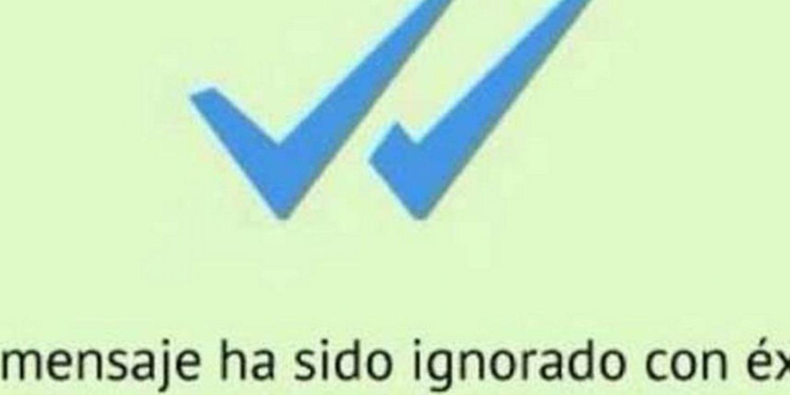 Facebook Foto:Es lo peor que nos puede pasar en los mensajeros como WhatsApp. El corazón se nos rompe cuando enviamos un mensaje y sólo aparecen esas dos palomas azules.