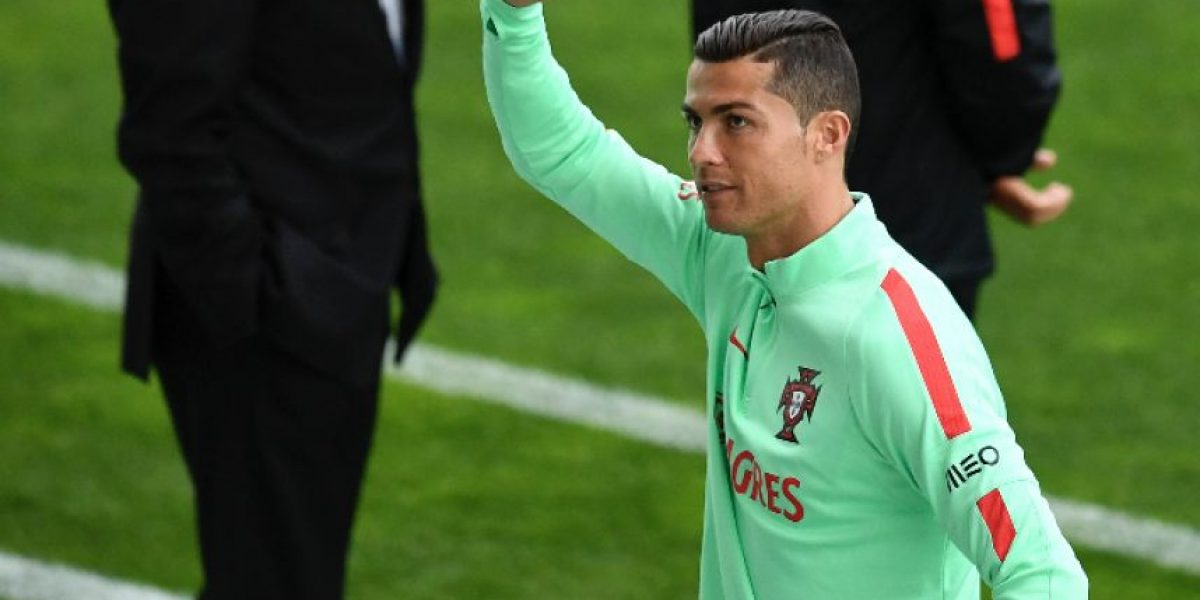 VIDEO. Cristiano Ronaldo aparece semidesnudo en la locura del