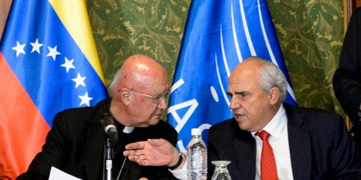 Gobierno y oposición acuerdan buscar salida pacífica a la crisis venezolana