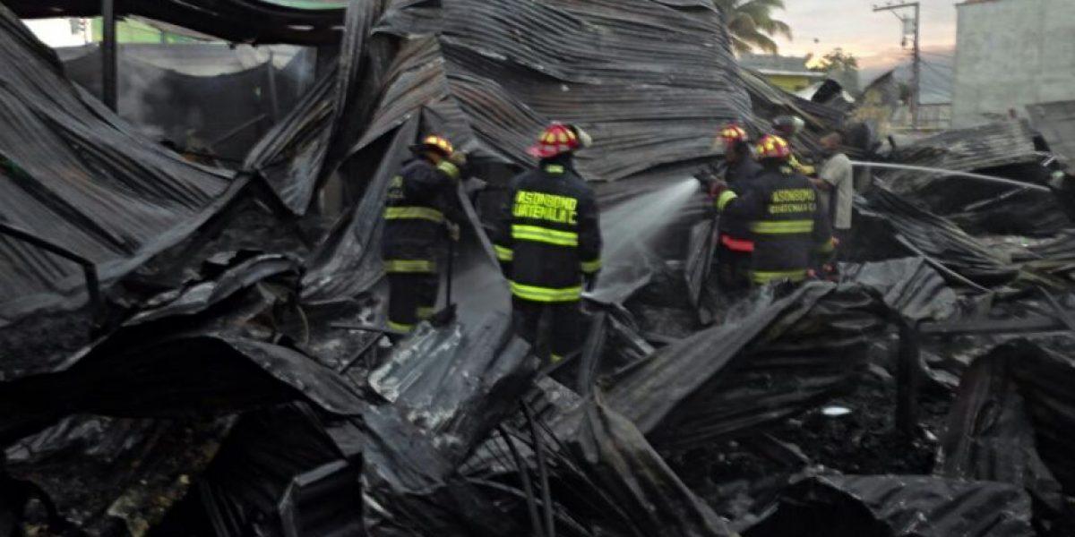 EN IMÁGENES. Incendio en mercado de Sanarate, El Progreso, deja cuantiosas pérdidas