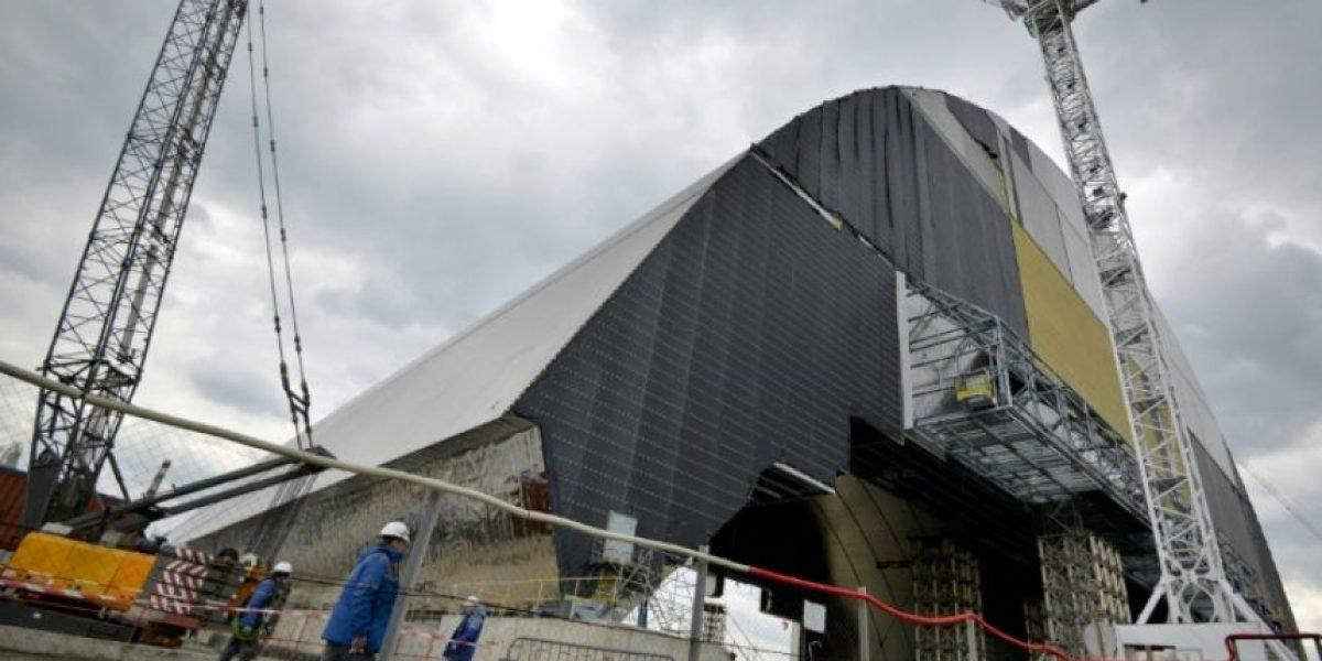 Comienza instalación de gigantesca cúpula de protección sobre reactor de Chernóbil