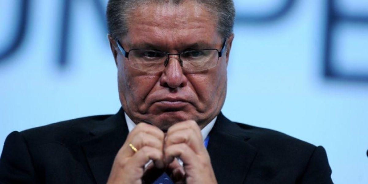 Rusia detiene a ministro de Economía por acusación de sobornos