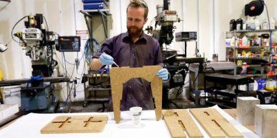 Fábrica de Nueva York elabora robustos muebles con hongos