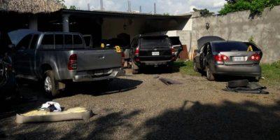 Policía incauta 15 kilos de cocaína y revisa vehículos en un predio de San Marcos