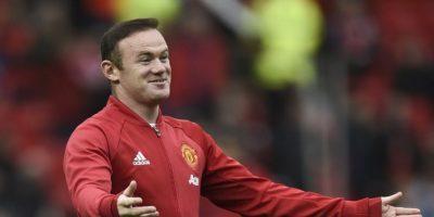 Filtran fotos de Wayne Rooney borracho en una boda