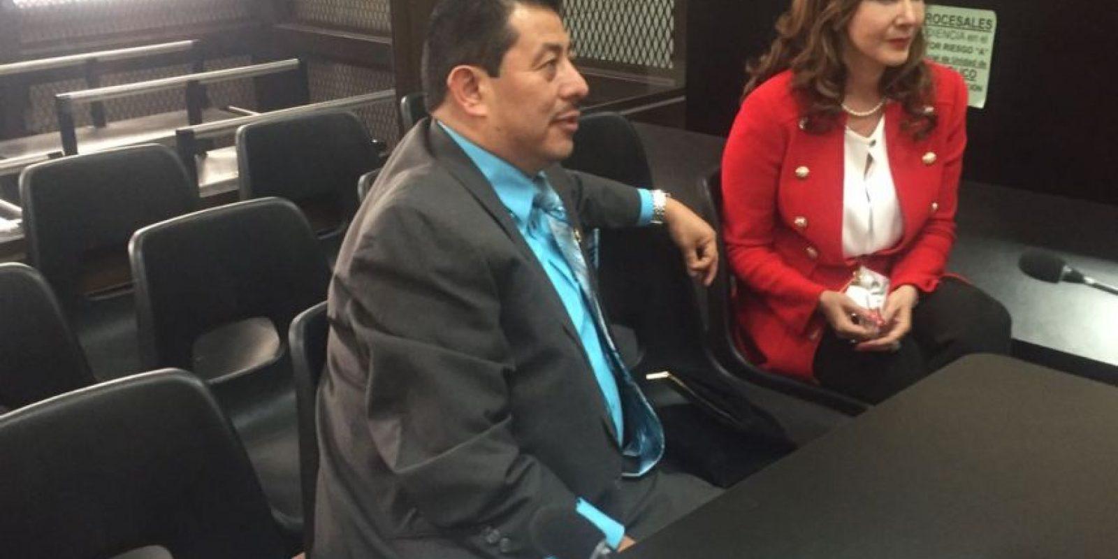 Zury Ríos Sosa acompañada de su abogado Jaime Hernández. Foto:EU