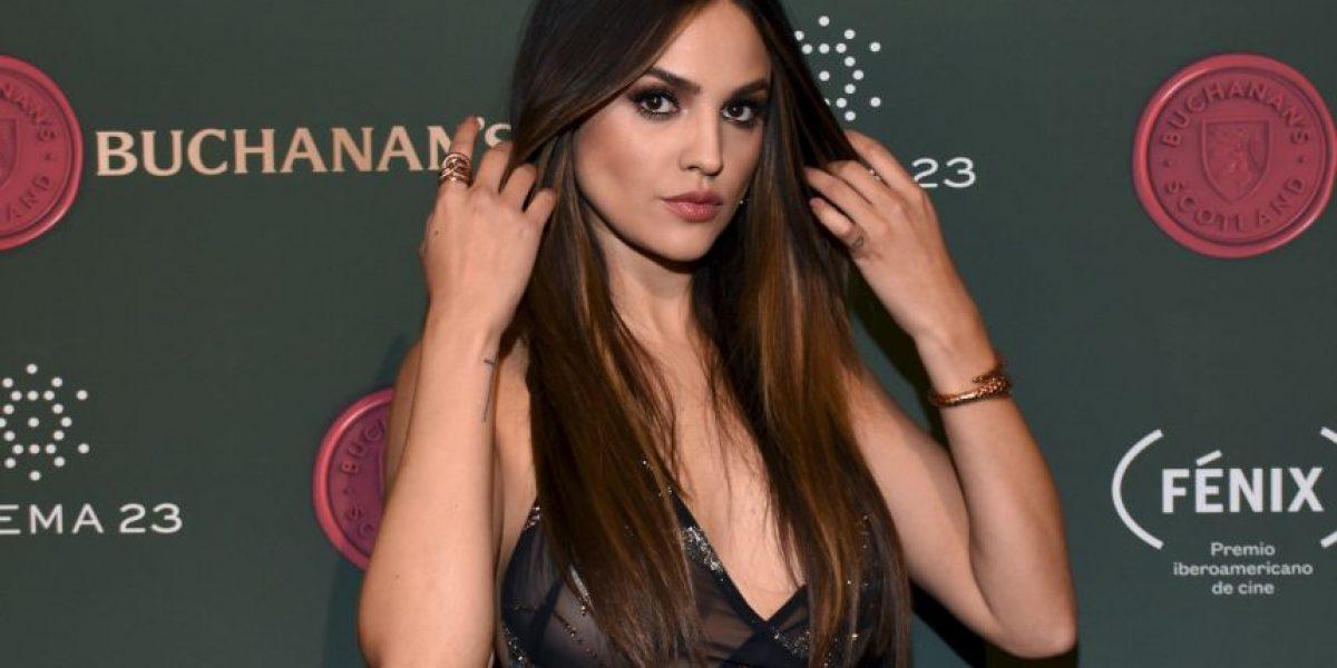 Eiza González dejó poco a la imaginación con revelador vestido