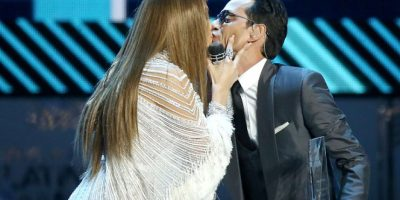Después de besar a Jennifer López, Marc Anthony se besa con varios hombres